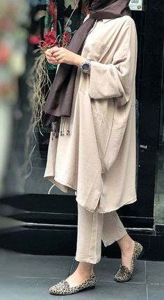 Dress Hijab Casual Beautiful Ideas For 2019 Muslim Fashion, Iranian Women Fashion, Modest Fashion, Hijab Fashion, Trendy Fashion, Fashion Dresses, Retro Fashion, Fashion Tips, Casual Hijab Outfit
