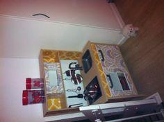Så blev IKEA køkkenet helt færdig med tapet :) elsker diy projekter