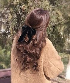 Beautiful curly hair - My Website 2020 Pretty Hairstyles, Easy Hairstyles, Hairstyle Ideas, Wedding Hairstyles, Princess Hairstyles, African Hairstyles, Hairstyles With Ribbon, Half Up Half Down Hairstyles, 1980s Hairstyles