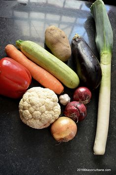 Legume la cuptor - gratinate la tava | Savori Urbane Eggplant, Sausage, Cooking Recipes, Vegetables, Food, Mariana, Canning, Cod Fish, Challah