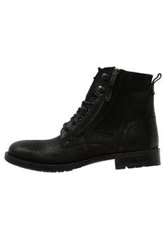 Zign Veterlaarsjes black Meer info via http://kledingwinkel.nl/product/zign-veterlaarsjes-black-12/