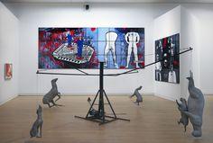 Zaaloverzicht met onder meer Gilbert & George en Bruce Nauman. Foto: Gert Jn van Rooij