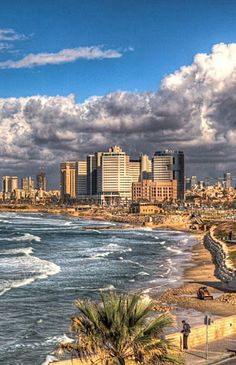 Beautiful Tel Aviv… Have you ever been there? Great Places, Places To See, Beautiful Places, Places Around The World, Around The Worlds, Timor Oriental, Terra Santa, Maldives, Naher Osten