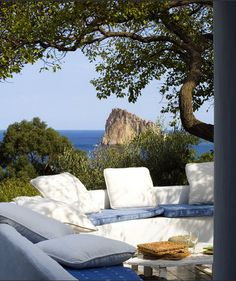 Terraza en blanco... con vistas al mar