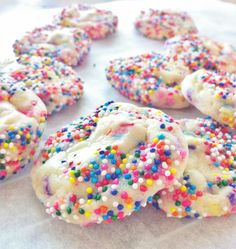 Cake Batter Sugar Cookie- TeTe's Treats These are my new favorite cookie so so so good!!  Thanks you Sally's Baking Addiction  RECIPE:http://sallysbakingaddiction.com/2012/08/16/cake-batter-sugar-cookies/