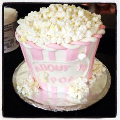 Pink and white baby shower cake! About to pop movie popcorn bucket cake! Baby Shower Souvenirs, Baby Shower Drinks, Baby Shower Party Favors, Baby Shower Cupcakes, Baby Shower Balloons, Shower Cakes, Baby Shower Parties, New Birthday Cake, Birthday Party Snacks