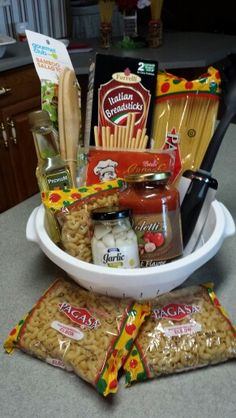 housewarming gift basket from dollar tree – Gift Ideas Kitchen Gift Baskets, Housewarming Gift Baskets, Diy Gift Baskets, Christmas Gift Baskets, Diy Christmas Gifts, Fundraiser Baskets, Raffle Baskets, Dollar Store Gifts, Boyfriend Gift Basket