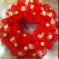 Poly mesh Christmas wreath!
