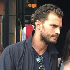 Jamie Dornan Life: New Fan Pictures and Video of Jamie on His Way to ...