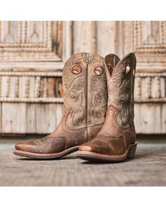 Ariat Men's Heritage Roughstock Square Toe Boot - Earth/Brown Bomber http://www.countryoutfitter.com/products/27916-mens-heritage-roughstock-square-toe-boot-earth-brown-bomber #westernboots