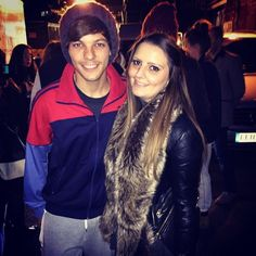1D Slovakia Updates ‏@_1DSlovakia  #NEW | Louis with @KirstyLBx in London today - 01.11.2014