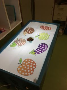 Our decorative ideas for the renovation of the kitchen buffet - HomeDBS Pre K Activities, Sensory Activities, Infant Activities, Sensory Table, Sensory Bins, Sensory Lights, Light Board, Art For Kids, Crafts For Kids