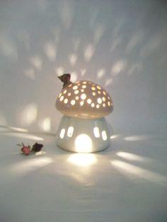 Nachtlicht / Fairy Haus rosa Dach schlichten weißen Haus