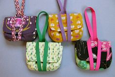 Adorable wristlets, or camera bag. I think little girls would swoon over these. Link to pattern.