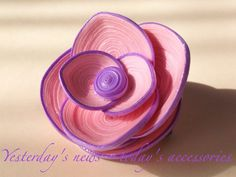 Quilled paper brooch by Yesterday's news - today's accessories Quilling Work, Quilling Craft, Quilling Ideas, Quilling Designs, Quilling Earrings, Quilling Jewelry, Paper Jewelry, Calligraphy Paper, Paper Quilling Tutorial