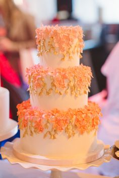 A wedding cake I made for the spring wedding show at the Drake Hotel :D