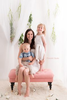 mommy and me, siblings, family photography in the studio