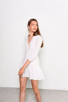 Dress Outfits, Fashion Dresses, Style Magazin, Topshop, Trending Today, Glamour, White Long Sleeve, Going Out, Ball Gowns