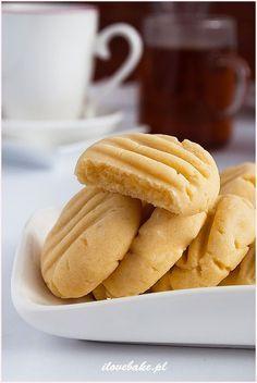 PROSTE CIASTECZKA MAŚLANE #cookies Snack Recipes, Dessert Recipes, Snacks, Desserts, Bakers Gonna Bake, Sweet Little Things, Breakfast Menu, No Bake Cookies, Baking Cookies