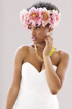Neutral & Neon bridal style with flower in the hair. Love this look!