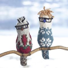 We all deserve a flock of our own! Learn to knit a covey of feathered friends from the masters @arnecarlos in this introductory class exploring the basics of the knitted bird. Sign up now, link in profile.⠀ ⠀ #fancytigercraftretreats #knitting #colorwork  #fairisleknitting #arneandcarlos #scandinavianknitting  via ✨ @padgram ✨(http://dl.padgram.com)