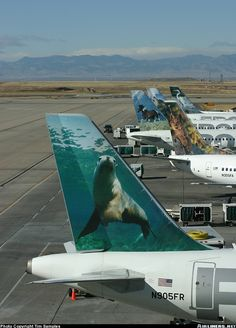 Frontier Airlines Airbus A319-111 Tails