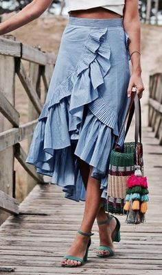 38 Spring Fashion To Copy Today - Daily Fashion Outfits Modest Fashion, Fashion Outfits, Womens Fashion, Fashion Pants, Fashion Clothes, Fashion Tips, Spring Summer Fashion, Spring Outfits, Winter Fashion