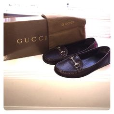 Gucci Women's Loafer. AUTHENTIC! 'Moca Pelle S Gomma Chocolat'-- Women's Loafer in the color Chocolate. 100% Authentic. Size 38. True to size. Dust bag & box included. Never worn!!! Feel free to make offers! Gucci Shoes