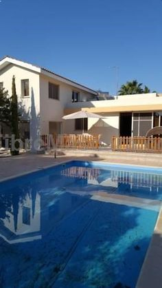 Anthea Gardens 2 Perivolia Located in Perivolia, this air-conditioned villa features an outdoor pool. The unit is 6 km from Mazotos Beach. There is a seating area, a dining area and a kitchen. A TV is offered. Other facilities at Anthea Gardens 2 include a fitness centre.
