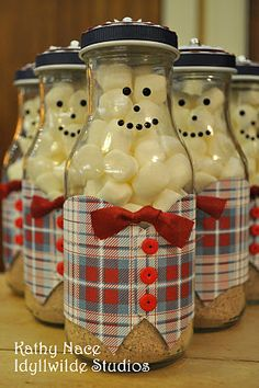 Snowman soup in a jar. How cute!