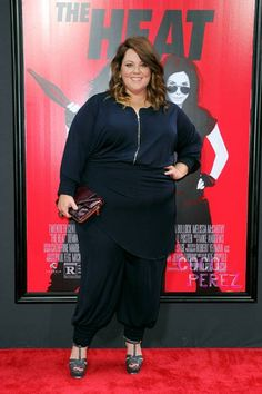 Melissa McCarthy looks great at The Heat premiere in NYC.