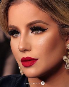 Gorgeous Makeup: Tips and Tricks With Eye Makeup and Eyeshadow – Makeup Design Ideas Mauve Makeup, Bronze Makeup, Red Lip Makeup, Day Makeup, Smokey Eye Makeup, Makeup Eyeshadow, Red Lipstick Outfit, Makeup Salon, Makeup Style