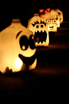Decorations from old milk jugs. Would work in my windows. Green Halloween Tips Halloween This Year, Halloween Books, Halloween 2019, Spooky Halloween, Holidays Halloween, Halloween Crafts, Happy Halloween, Halloween Party, Halloween Tips