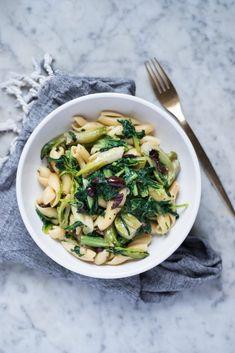 Pasta puntarelle, acciughe e olive