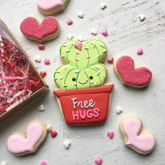❤️Valentine's Day is near and we can't wait to celebrate with free hugs! ❤️So in love with these cutters from @kaleidacuts #valentinesday #freehugs #natsweets #toocute #cactuslove