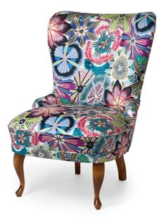 Emma armchair in fabric from Missoni. Passiflora fg Wooden legs in oak. High Office Chair, Wooden Armchair, Kitchen Chairs, Wingback Chair, Missoni, Home Accessories, Home Goods, Accent Chairs, Upholstery