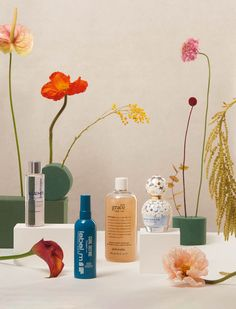 This season's groundbreaking hair and beauty products are infused with blossoms and blooms packing a seriously powerful botanical punch Flat Lay Photography, Commercial Photography, Still Life Photography, Beauty Photography, Creative Photography, Product Photography, Toni And Guy, Cosmetic Sets, Beauty Book