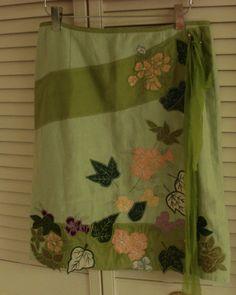 NANETTE LEPORE 100%  LINEN SKIRT SZ 4  Floral Appliques Light Green Size 4 #NanetteLepore #ALine