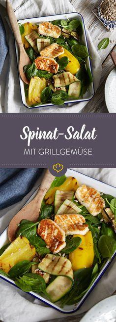 Low-Carb-Salat am Feierabend? Mit zartem Babyspinat, knackigem Grillgemüse, gebratenem Halloumi und würzigem Pesto-Dressing eine deiner leichtesten Übungen.
