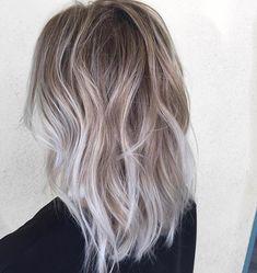 Gorgeous blonde sombre by Habit stylist @hairbytallie