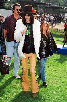 Chris Robinson of The Black Crowes at the VMAs, September Johnny Colt, The Black Crowes, Mtv Video Music Award, Concert Posters, Miley Cyrus, Bell Bottoms, Rock And Roll, Supermodels, Fashion Looks