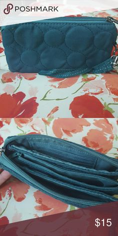 THIRTY ONE Wristlet Pretty teal wristlet with lots of storage!! thirty one Bags Clutches & Wristlets