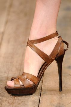 How can brown leather be so sexy?....team it with a killer heel!