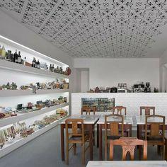 Delicatessen Fugas Lusas in Setúbal, Portugal by EXTRASTUDIO Arquitectura