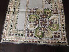 Gorgeous Vintage Hand-Embroidered Linen Multi-Color Table Runner