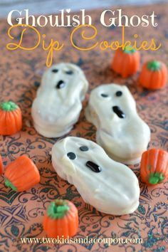 Looking for a ghoulish good treat that's easy to make and fun to eat this Halloween? These tasty dipped cookies just take minutes to make and are a fun Halloween cookie treat for any upcoming gatherings. Ingredients 1 package of Nutter Butter Cookies 1 Halloween Themed Food, Halloween Cookies, Easy Halloween, Halloween Treats, Halloween Party, Halloween Projects, Fall Treats, Halloween 2017, Halloween Stuff