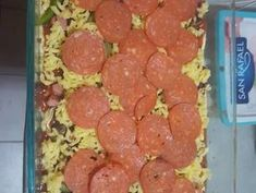 Pizza harina de almendras Receta de Iza Siri - Cookpad Mozzarella, Aperitivos Keto, Sausage, Meat, Ethnic Recipes, Food, Coconut Flour, Ethnic Food, Breads