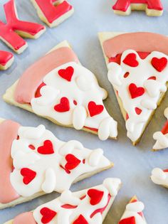 Take a Little Pizza My Heart . Valentine Cookies - Keila Hötzel - Take a Little Pizza My Heart . Valentine Cookies take a little pizza my heart, decorated cookies for valentine's day! Valentine Desserts, Valentines Day Cookies, Valentines Puns, Valentine Treats, Holiday Treats, Birthday Cookies, Valentine Pizza, Cookie Pizza, Pizza Cookies
