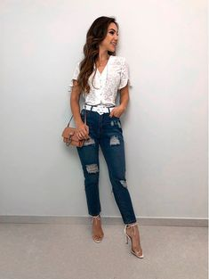 Blusa-Laise-Off Source by outif Source by ChristianaFashion outif Looks Style, Casual Looks, Casual Outfits, Fashion Outfits, Fashion Trends, Business Casual Jeans, Romantic Outfit, Facon, Types Of Fashion Styles