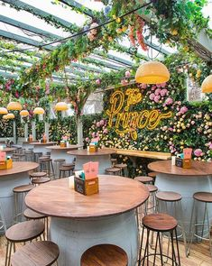 Outdoor Restaurant Patio, Deco Restaurant, Rooftop Restaurant, Outdoor Cafe, Restaurant Interior Design, Cafe Design, Store Design, Brunch Cafe, Pub Decor